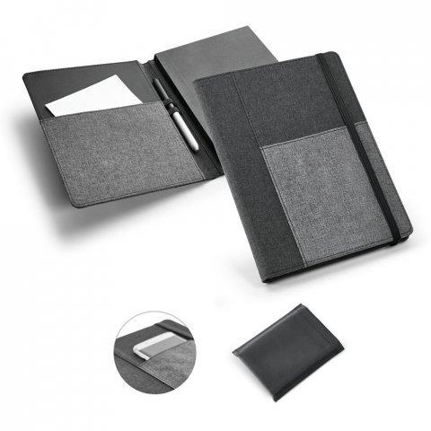 93734.13<br> PESSOA. Folder with notepad